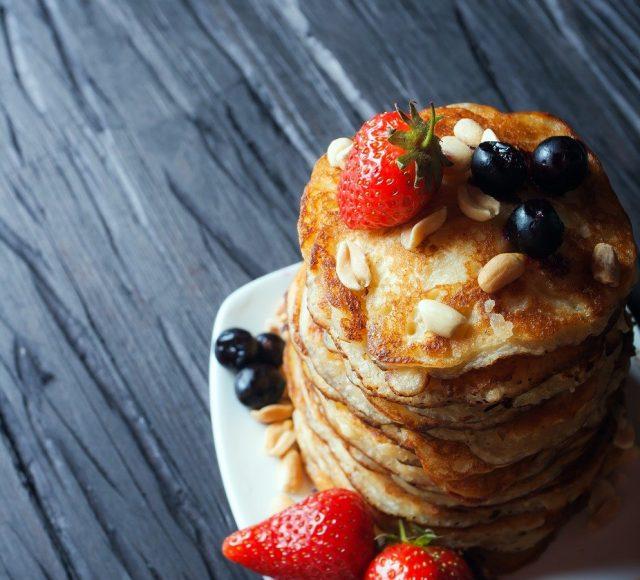 berries, pancakes, breakfast